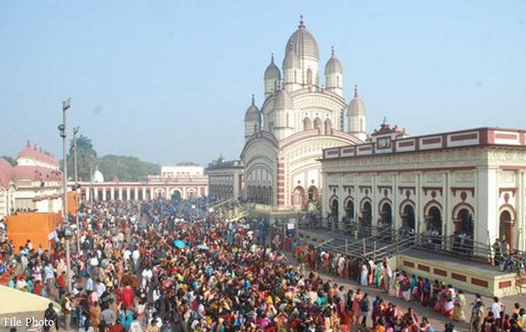 बांग्ला नववर्ष पर मंदिरों में लगा भक्तों का तांता
