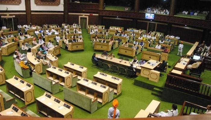 राजस्थान विधानसभा में मंत्री से नाराज होकर स्पीकर कुर्सी छोड़ कर चलते बने