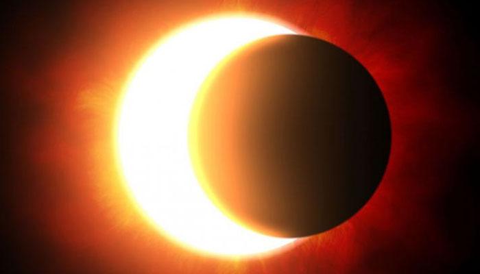 आज लग रहा है पूर्ण सूर्य ग्रहण, ये होगा असर