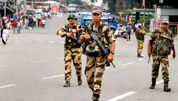 जम्मू-कश्मीर: हमला होने के सम्भावने को देखते हुए सभी सेनाओं को हाई अलर्ट पर रखा गया