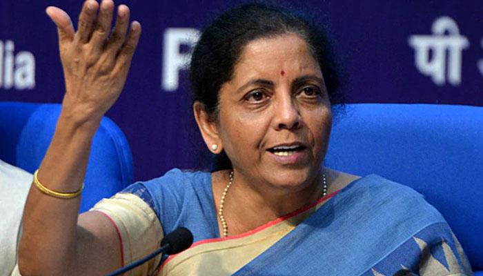 वित्त मंत्री की घोषणा से अर्थव्यवस्था ने लगाई छलांग, 66 पैसे मजबूत हुआ भारतीय रुपया